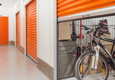 Eşya depolama hizmetleri kapsamında; ev yada ofis eşyalarınızı kullanmadığınız dönemlerde belirli süreliğine güvenli ve temiz depolarımızda muhafaza ediyoruz.